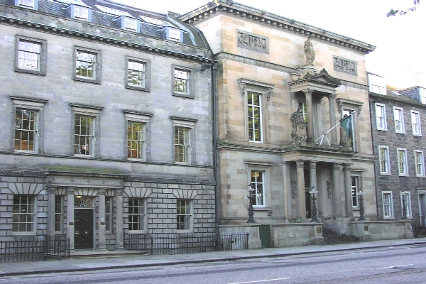 royal-college-physicians-edinburgh-exterior1